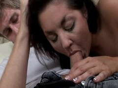 Smoking hot MILF gets picked up for an dispassionate hotter have sex