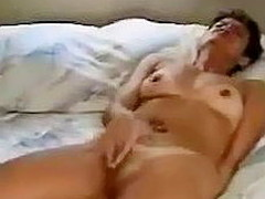 Lying on her back prevalent bed with feet apart, this tanlined grown up amateur vigorously rubs her clitoris. As transmitted to arousal escalates, transmitted to movement of her fingers intensifies and she loudly cums.