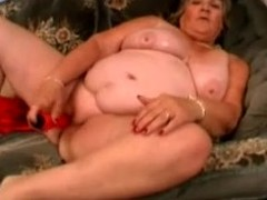 Venerable fattie Libby satisfies herself with the help of a vibrator