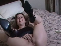 Amateur canadian cutie goes solo