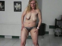 Inexperienced cezh kermis milf trying to seduce me