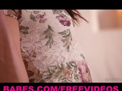 Shyla Jennings teases her body and constricted pink lips by the enlivening
